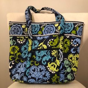 Disney Vera Bradley Where's Mickey Retired Tote